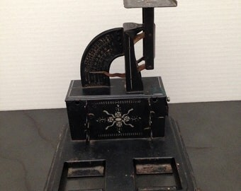 Antique Postal Scale, Friner Scale & Marketing, 1904 Scale, Chicago USA