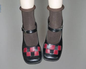 Qt 90s goth grunge red and blue checkered leather Mary Janes size 6