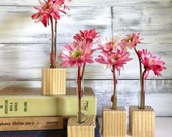 Test Tube Bud Vase, small flower vase, Set of Four, little vases, gift for friend