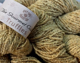 6 hanks Rayon Gold Yarn Light Worsted Knit One Crochet Too The Gourmet Collection Truffles Color 448