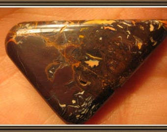 Koroit Boulder Opal cabochon, 37x23x6 mm, 39.35 cts.