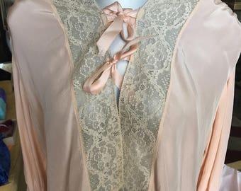 Vintage Bedjacket. Bedjacket. Nightgown. Nightie. Bed Jacket. Garland Satin Bed Jacket
