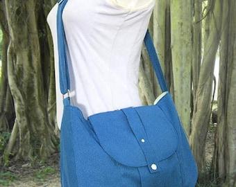 On Sale 20% off Blue cotton canvas bag / messenger bag / shoulder bag / purse / everyday bag / diaper bag / cross body bag - 6 pockets