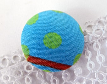 Button in turquoise dotted fabric, 32 mm / 1.25 in