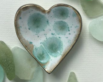 Green and white glazed heart shaped ceramic ring dish / anointing bowl Love Valentines
