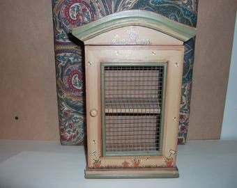 1:6th Scale Doll House Dinning Room Kitchen solid wood hand painted Storage cabinet Barbie Blythe Wire Mesh Door Shelved
