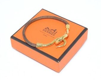 HERMES Jumbo Hook Leather and Gold Bracelet