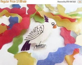 40% OFF NOW VTG Plastic Parrot Brooch, Cockatoo Brooch, Figural Brooch, Bird Brooch, Lapel Pin, White Parrot Pin, Kitsch Pin, Lucite Bird Pi