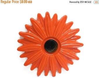 40% OFF NOW VTG Orange Resin Floral Trivet, Flower Power Kitchen Decor, Bright Orange Chrysanthemum, Wall Plaque, Retro Kitchen, Paperweight