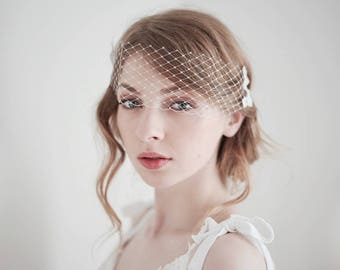 Bridal Birdcage Veil, Mini Bridal Veil, Lace Veil, Lace on Veil, Bandeau Veil, Wedding Veil, Bird Cage Veil, Short Bridal Veil