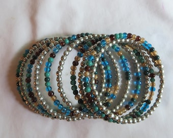Turquoise and Silver Beaded Bracelet on Memory Wire, bracelet, gray, turquoise, blue, cranberry, beaded, memory wire, silver