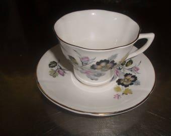 vintage bone china teacup tea cup saucer set royal kent flowers