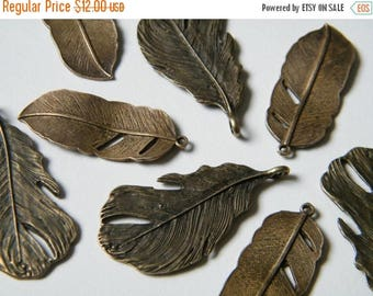 ON SALE 16 x Antique Brass Feathers Pendant Bronze Natural Feather Charms (8 of each) Necklace Charms Bracelet Pendants