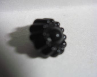 ANTIQUE BEAUTIFUL 1830's-50's Jet Black Glass Jell-o Mold Charm String Button w/ a Swirled Pigtail Loop Shank..#1470