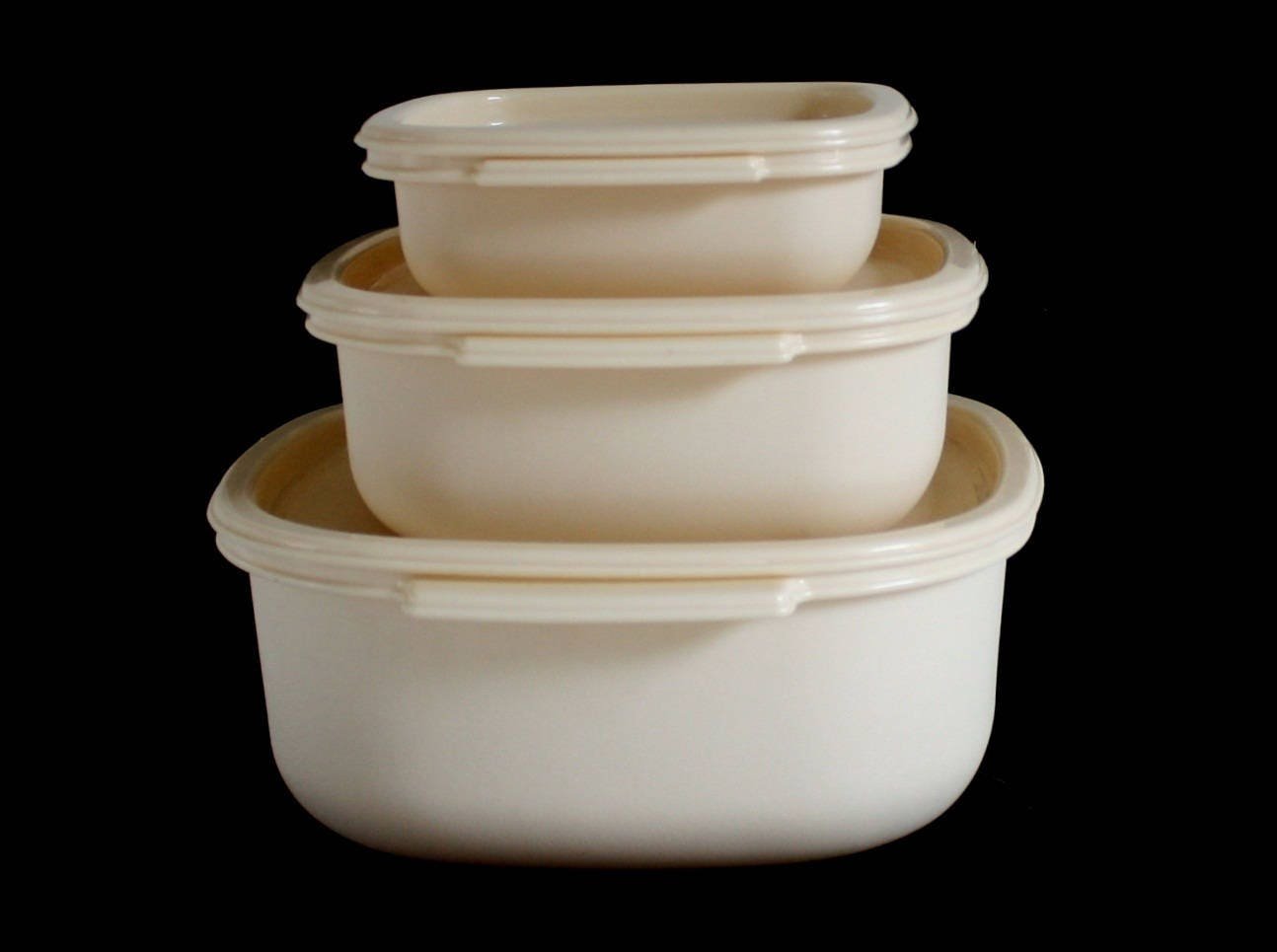 Rubbermaid Containers Lids 12 cups 2248 2249 6 cups 2246 2247 2