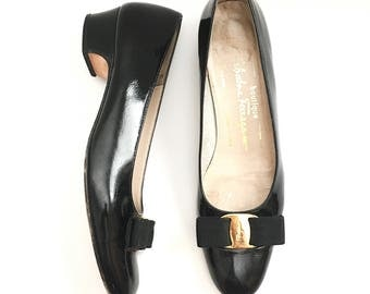 Vintage Vara Salvatore Ferragamo Black Shoes / Pump Shoes / Black Flats Shoes / Black Patent Leather Pumps/ Size 8AAA/ Size 7