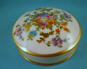 HAND PAINTED Trinket Box Limoges porcelain with Flowers