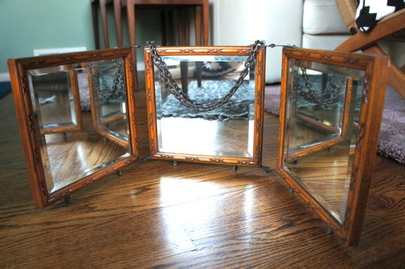 Victorian Tri-Fold Portable Vanity Makeup Mirror Beveled Mirror Oak Frame Cosmetics Display Jewelry Store Sunglasses Actor Gift
