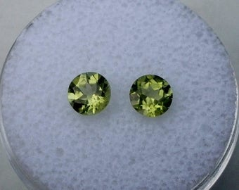 ON SALE Peridot round gem pair 5mm each