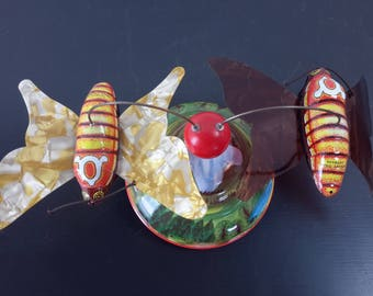German Wind Up Toy With Caterpillar Butterfly's That Go Round and Round Germany Deko Artikel NO KEY