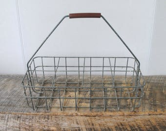 Vintage Wire Milk Bottle Quart Carrier Basket 8 Slots with Handle