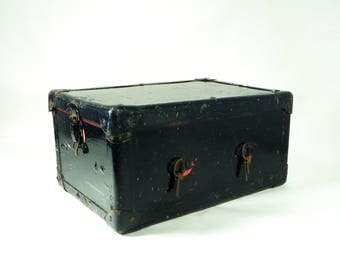 Small Storage Trunk, Vintage Treasure Box, Doll Trunk