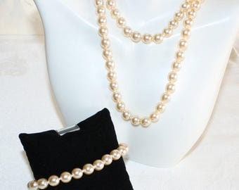 Gorgeous, Vintage Set, Classic Pearl Necklace and Bracelet, Champagne