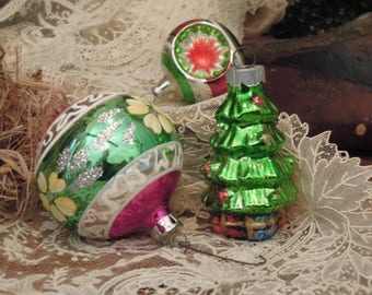 Three Vintage Mercury Glass Ornaments / Indented Red Green and Silver Round Christmas Ornament / Christmas Tree Ornament