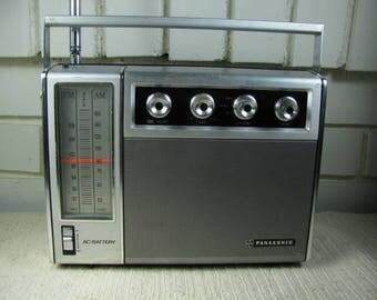 Vtg Panasonic radio with incredible sound AC/DC