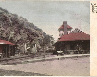 Vintage postcard, B & O Railroad Depot, Harpers Ferry, WV, ca 1910