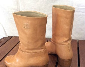 15% OFF3DAYSALE Fabulous Authentic Vintage Chanel Tan Leather Mid Calf boots Made in Italy 36 1/2
