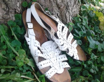 White strappy leather shoes 9.5