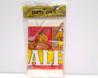 Vintage Alf Tablecover 1982 Alien Productions One Tablecloth Only Lets Party Yo Lucky Its Me on TV Birthday Retro Movie Party