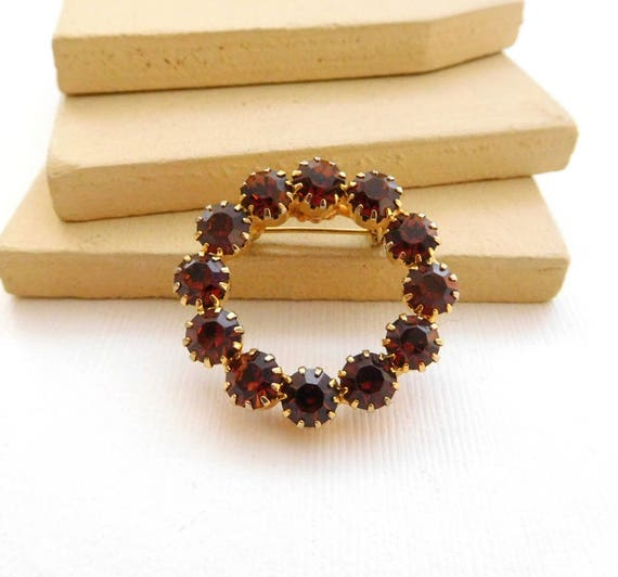 Vintage Amber Orange Rhinestone Gold Tone Circle Wreath Brooch Pin YY26
