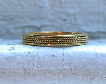 Vintage Solid 18K Yellow Gold Rope Wedding Band.