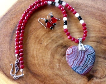 20 Inch Red, White, and Black Fire Agate Heart Necklace with Earrings