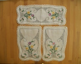Beautiful Vintage 3 Piece Linen Dresser Set  with Hand Embroidered Floral Motif