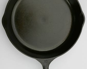 "Vintage WAGNER 11 3/4"" x-Large No. 10 Un-Marked Cast Iron Fine Skillet Fry Pan, Professionally Cleaned and Organically Seasoned Ready to Use"