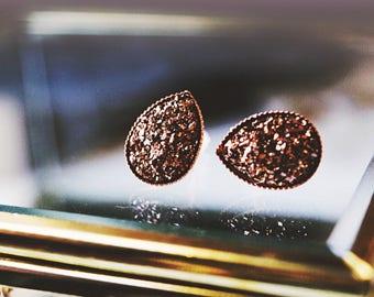Rose gold pear shaped druzy studs / druzy earrings / galaxy earrings / crystal boho studs