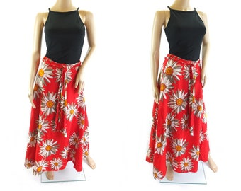 Vintage 1970s Cotton Maxi Skirt in Red Daisy Print - Size 10 UK