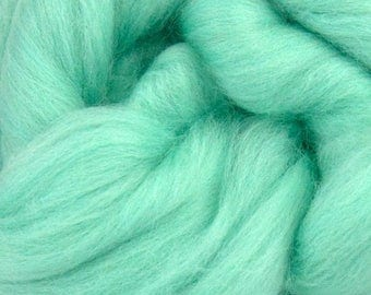 Aqua Merino Wool Top - 23 Mic 64's -  Needle Felting - Spinning - Wet Felting - Nuno Felting - Wet Felting