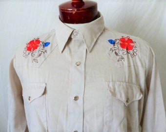 vintage 70's 80's Dee Cee Rangers embroidered floral beige white western shirt snap button long sleeve made in usa medium rockabilly cowboy