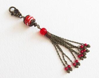 Bijou de Sac, Porte-clef - Fantaisie Rouge - Métal Bronze, Perle verre Lampwork, Pompon chaîne - Bijou créateur, fait-main, pièce uniqu