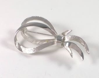 Vintage Silver Looped Brooch - 1970's Costume Jewellery Pin