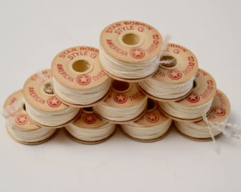 vintage thread bobbins / Star cardboard bobbins / disc bobbins / set of 10 / natural white thread / lace making supplies