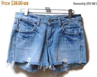SALE Levi's Jean Shorts Cutoff Denim Medium Light wash 25 XS