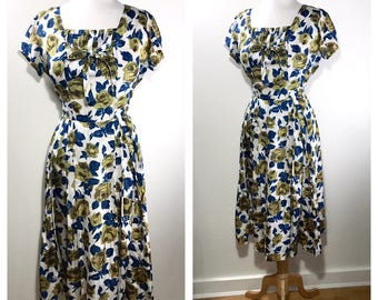 1960s Garden Party Dress Vintage Green and Blue Floral Print Cotton Sundress Midi Wedding Guest Dress Pleated Day Dress Medium Party Dress