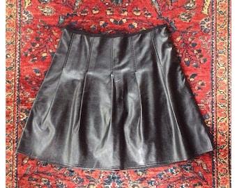 Black vegan leather pleated mini skirt womens large