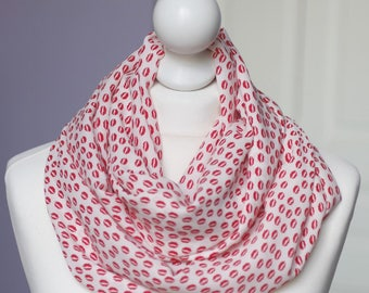 Infinity scarf // Red kiss mouth Snood fabric