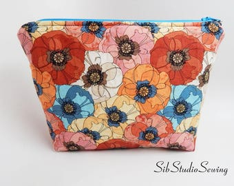 Poppies Cosmetic Bag, 9 x 6 x 2 inches, Interior Vinyl Lined for Easy Clean, Zipper Closure, Padded, Flowers Makeup Bag, Poppy Toiletry Bag